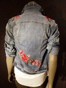 Geisha jeans met geborduurde bloemen